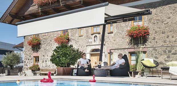 Terrasse mit Überdachung einrichten